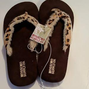 Mossimo flip flops